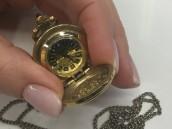 Винтажные часы-кулон Чайка 17 камней